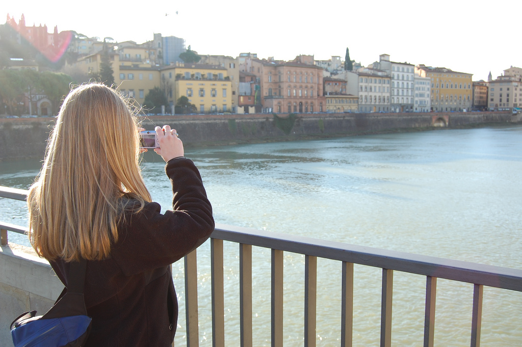 7 Applications For The Tourists To Feel More Confident Abroad